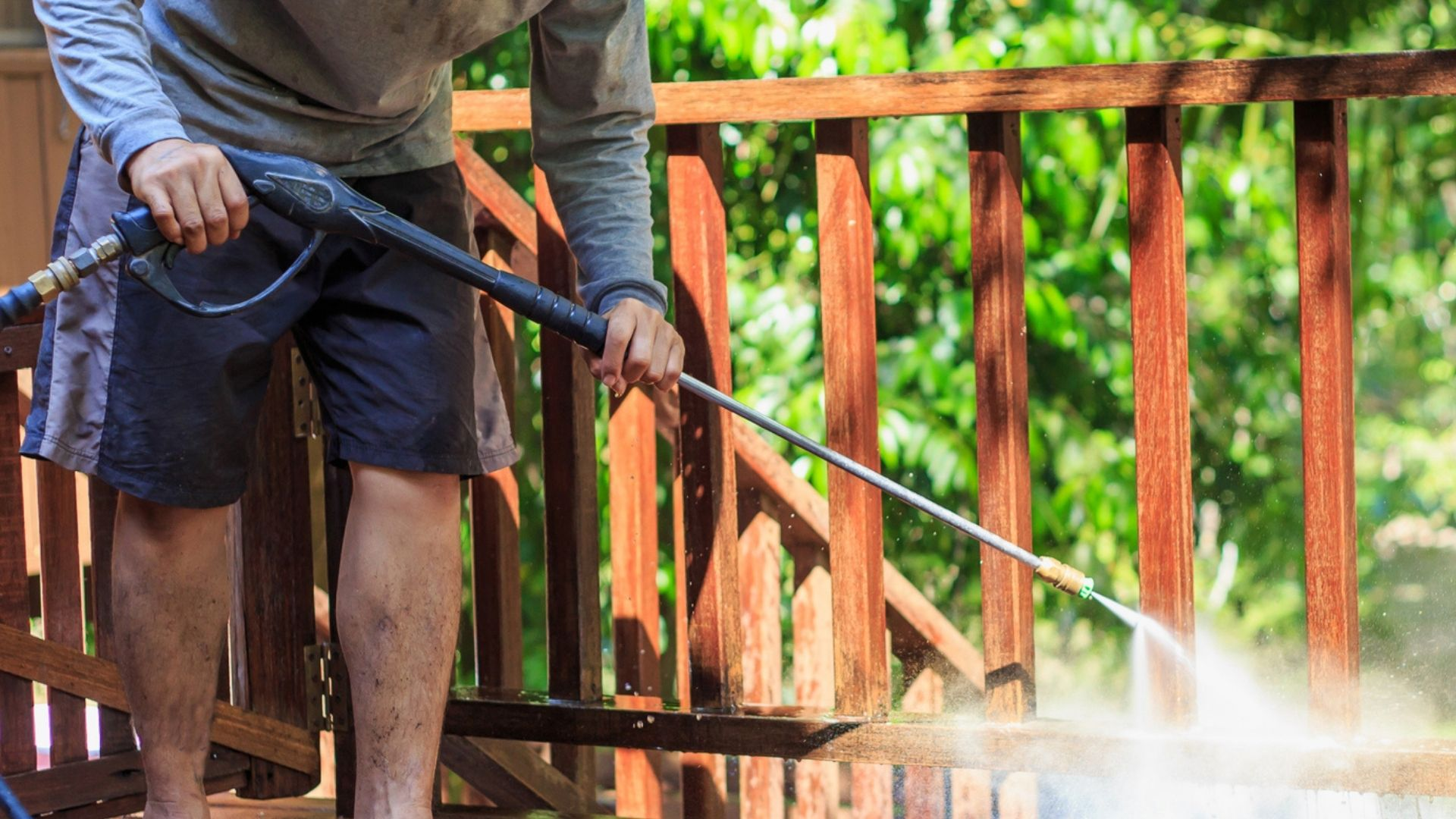 best pressure washer chemicals for decks, driveways, cars and sidewalks.